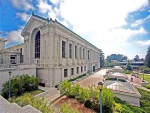 UCB哈斯商学院